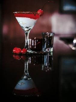 Mocktail di ciliegie con caffè