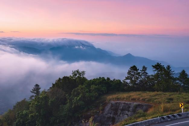 Chiang mai viaggio natura foto foto bellissimo punto di riferimento della provincia,