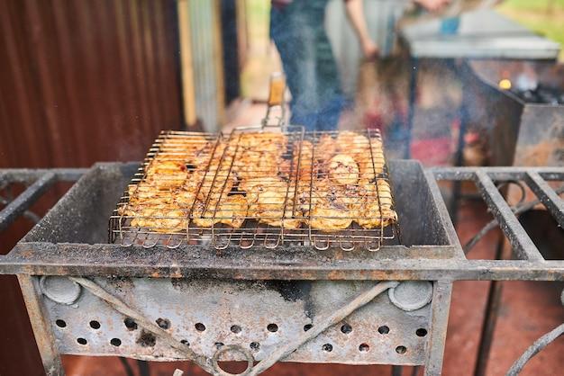 Kebab di pollo alla griglia