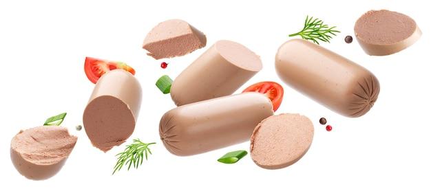 Patè di fegato di pollo isolato su sfondo bianco con percorso di clipping, foie gras