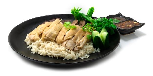 Pollo riso hainanese ontop pollo bollito servito pollo bollito
