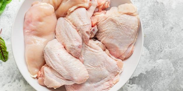 Ali di pollo pollame carne cruda parti pasto sano vista dall'alto