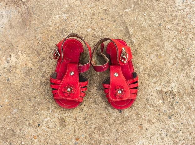Sandali per bambini rosso antico soviet