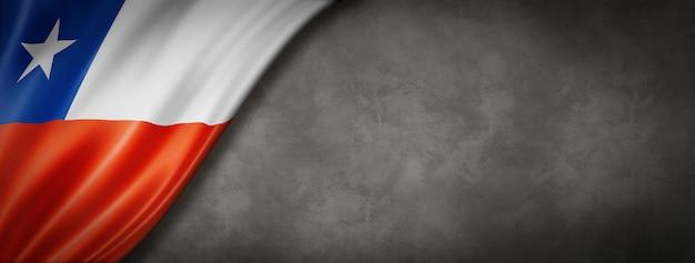 Bandiera cilena sul muro di cemento