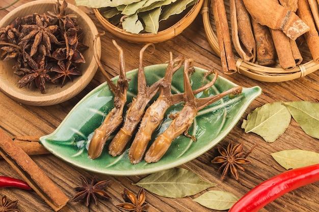 Lingua di anatra speziata cibo cinese