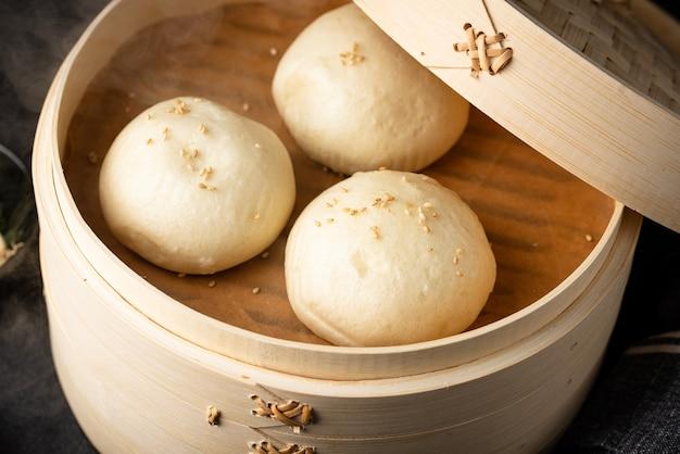 Panini cinesi al vapore baozi con piroscafo