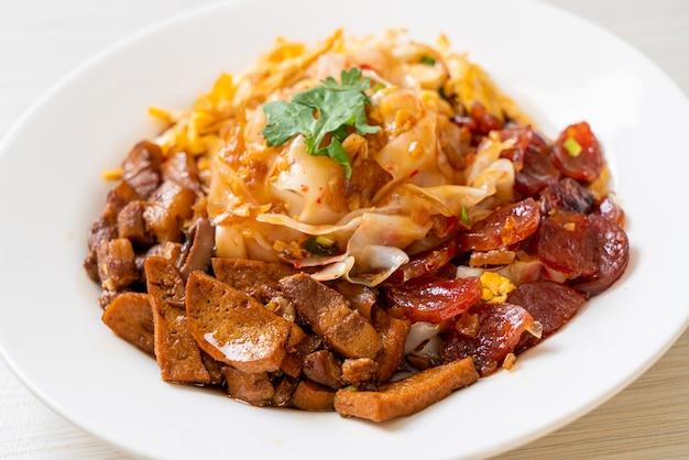 Spaghetti di riso al vapore cinesi
