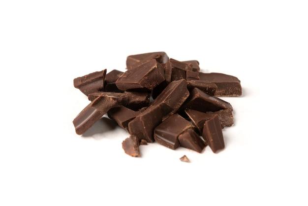 Barretta di cioccolato isolato su sfondo bianco.