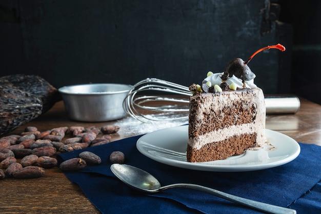 Torta al cioccolato e ingredienti