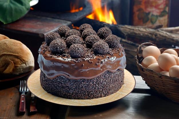 Torta al cioccolato con bonbon