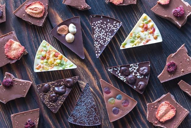 Caramelle al cioccolato con diversi condimenti