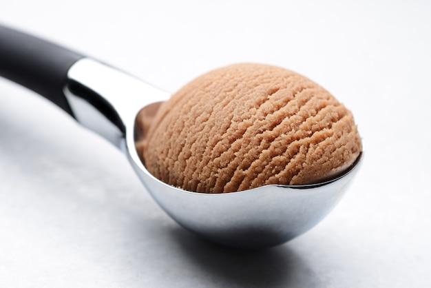 Il gelato al cioccolato ha scavato la vita ancora