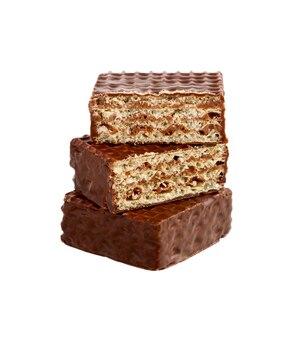 Wafer al cioccolato isolati su bianco