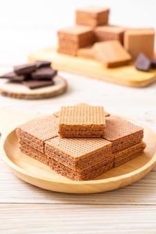 Cialde al cioccolato con crema al cioccolato