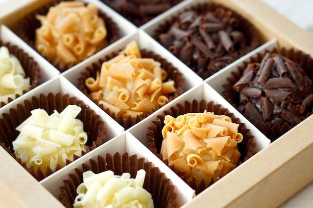 Primo piano della scatola di cioccolatini