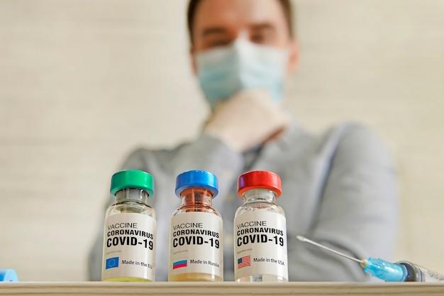 Scegliere il miglior vaccino per la vaccinazione made in usa o eu. la concezione medica della lotta alla pandemia di covid-19.