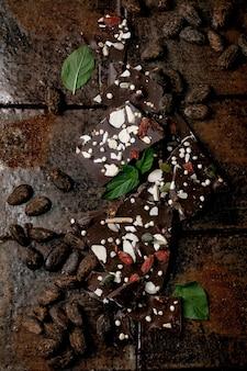 Cioccolato fondente tritato