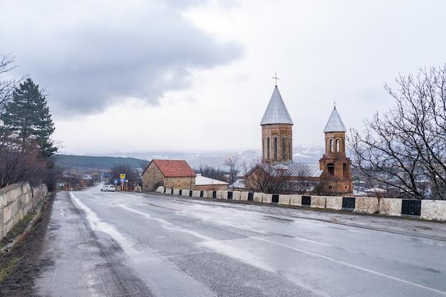 Chiesa cristiana a surami, shida kartli, georgia