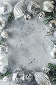 Sfondo natale con decorazioni natalizie perimetrali