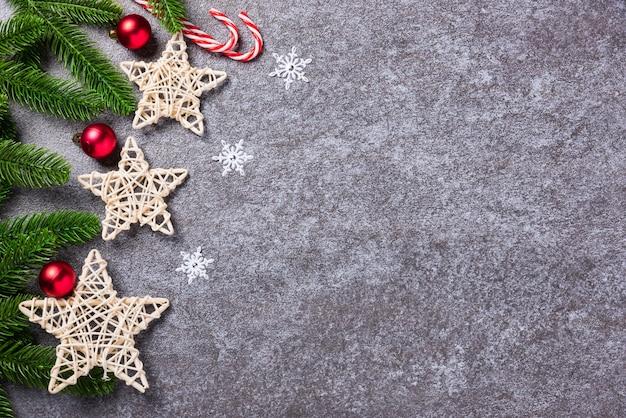 Natale confine decorazioni rami di abete verde