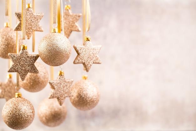 Natale. decorazioni natalizie e biglietto di auguri. simbolo di natale.
