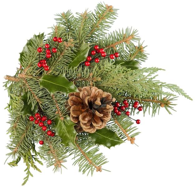 Composizione natalizia con pigne e rami di abete