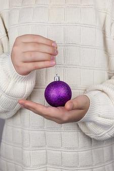 Natale, decorazione, vacanze e concetto di persone