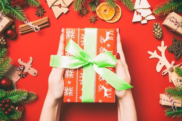 Decorazioni natalizie felice anno nuovo concetto