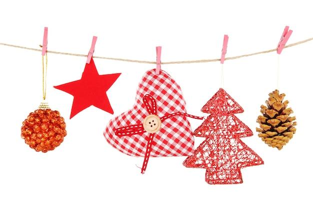 Decorazioni natalizie isolate su bianco