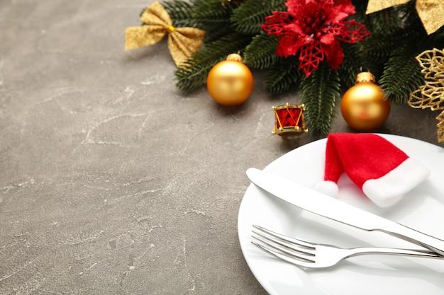 Regolazione della tavola di cena di natale