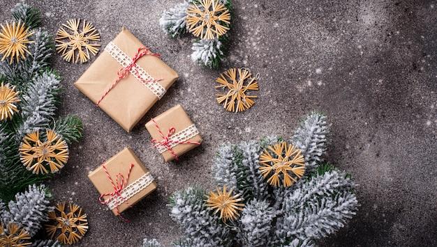 Scatole regalo di natale in carta artigianale
