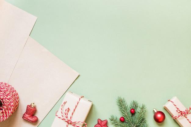 Regali natalizi e accessori per il loro packaging