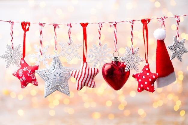 Biglietto di auguri di natale con decorazioni rustiche natalizie