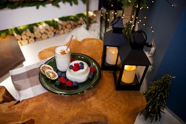 Vacanze di natale yogurt dessert cibo sano concept