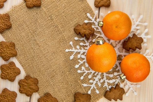 Biscotti di panpepato fatti in casa di natale con i mandarini