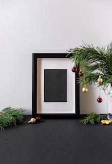 Composizione moderna in natale con copia spazio per il testo. poster all'interno di natale. cornice interna scandinava natale inverno decorazione
