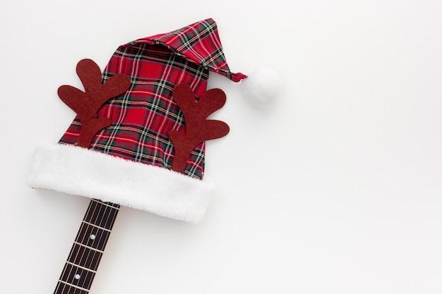 Composizione musicale di natale con la chitarra