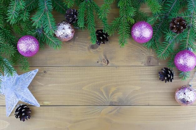 Albero di natale e decorazioni natalizie