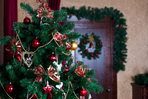 Albero di natale decorazioni natalizie