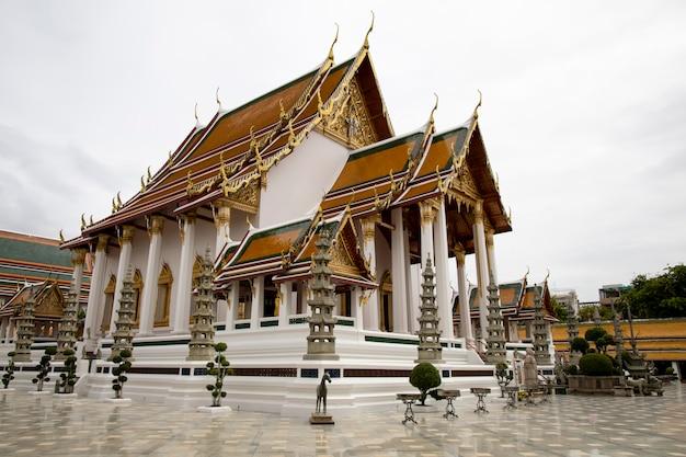 Il chuch è bellissimo punto di riferimento e famoso nel tempio di suthat a bangkok in tailandia