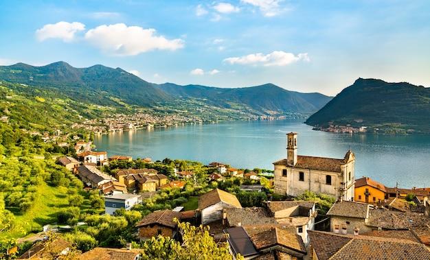 Chiesa dei santi rocco e nepomuceno a marone sul lago d'iseo nel nord italia