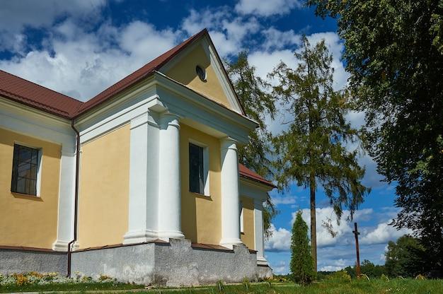 Chiesa della vergine maria del continuo soccorso, bielorussia, distretto di myadzyel, shemetovo, bielorussia, distretto di myadzyel