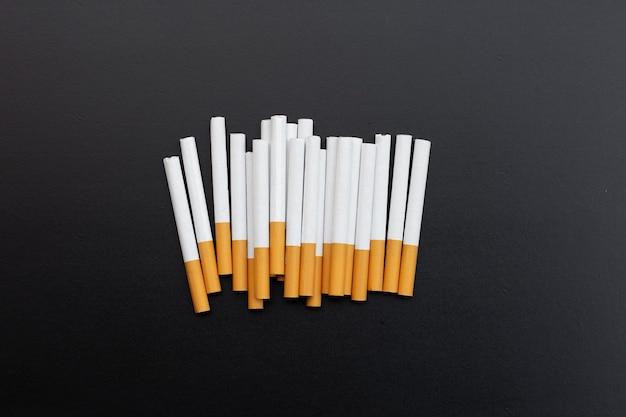 Sigaretta isolata non fumatori per il concetto di salute