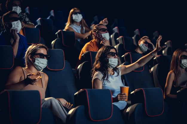 Cinema cinema durante la quarantena sicurezza pandemica del coronavirus ules