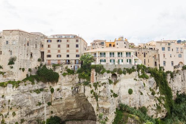 La città di tropea in provincia di vibo valentia, calabria, italia.