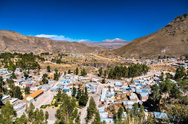 Paesaggio urbano della città di chivay in perù
