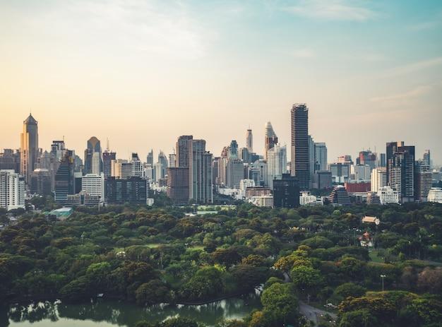 Paesaggio urbano e grattacieli nel centro della metropoli
