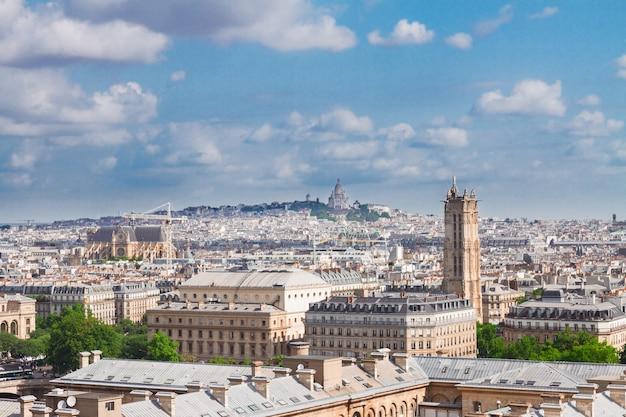 Paesaggio urbano di parigi sopra il distretto di mont matre, france