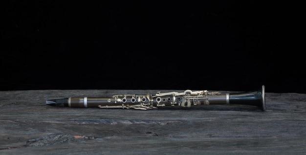 Clarinetto isolato su sfondo nero