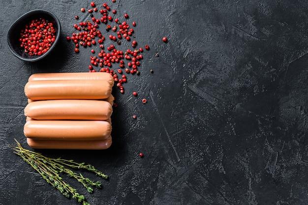 Classiche salsicce di pollo a base di carne cruda
